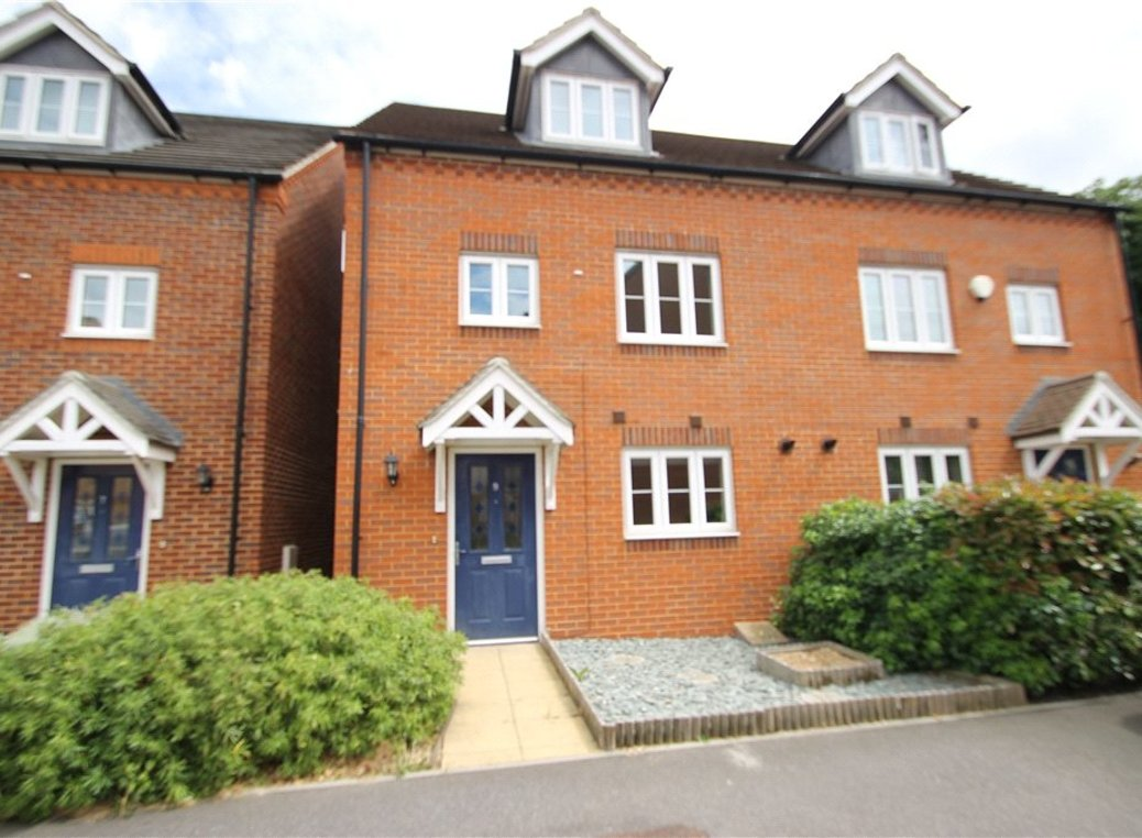 3 Bedroom Houses To Rent in Gravesend, Kent - Rightmove