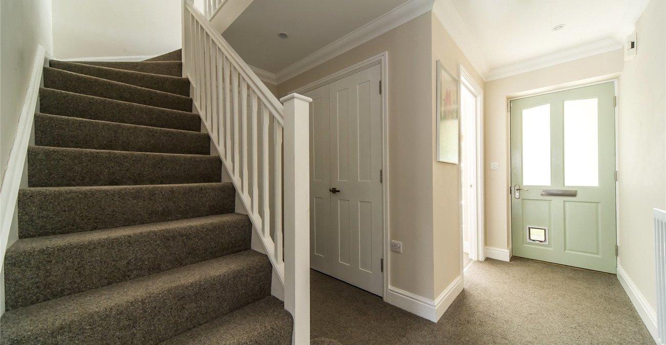 Property For Sale In Mortley Close Tonbridge Kent Tn9